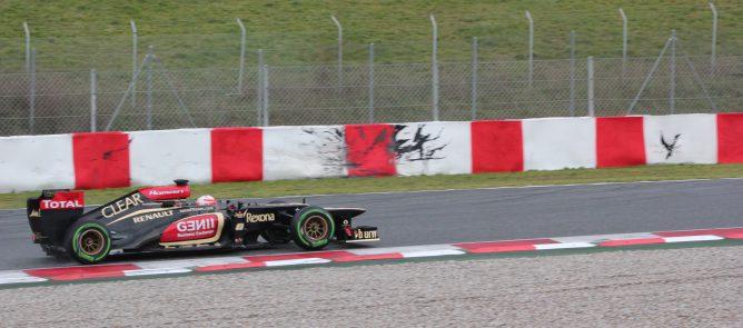 R. Grosjean le gana la partida al viento y termina en cabeza en el segundo día en Barcelona 001_small