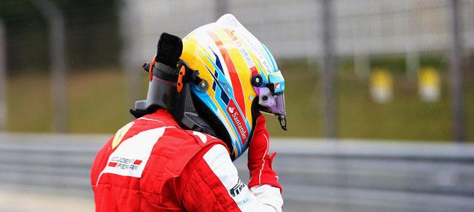 """Fernando Alonso: """"Sebastian Vettel se ha detenido prácticamente en medio de la curva"""""""