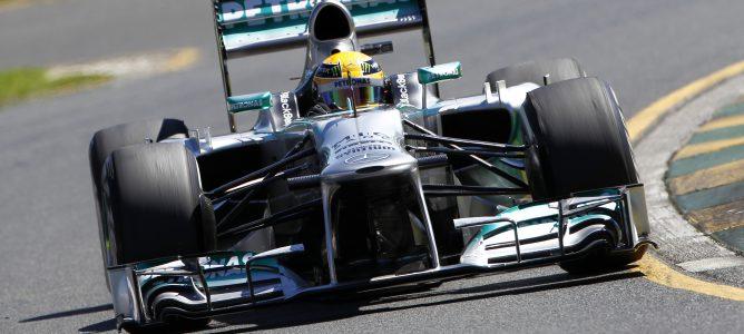 Hamilton en el podio de Malasia