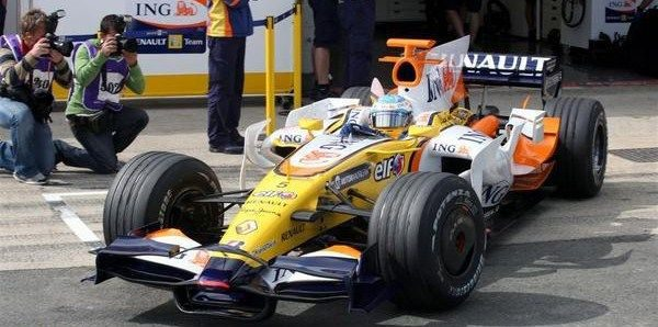 Alonso algo más contento con el coche