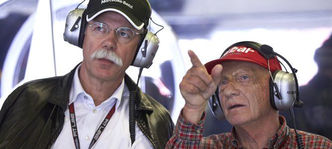Niki Lauda y Dietrich Mateschitz en Mercedes