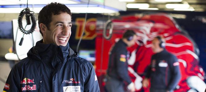 Vettel, Webber y Ricciardo rodarán junto a los jóvenes para Red Bull