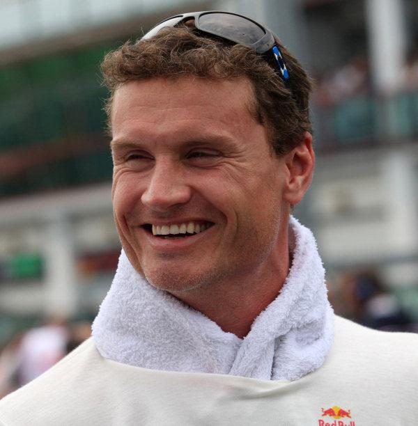 Hamilton y Button echarán de menos a Coulthard