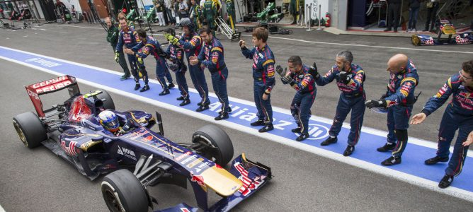 """Daniel Ricciardo: """"Me han dicho que si soy rápido y puedo ganar no me pararán"""""""