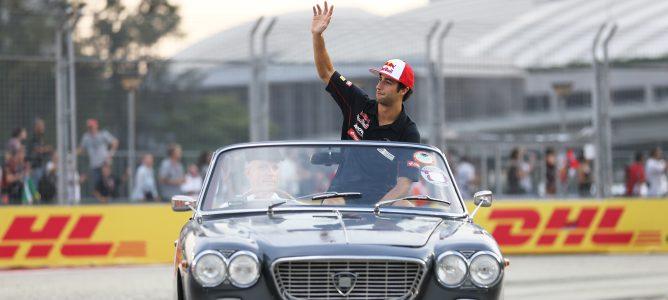 Daniel Ricciardo en el drivers' parade de Singapur