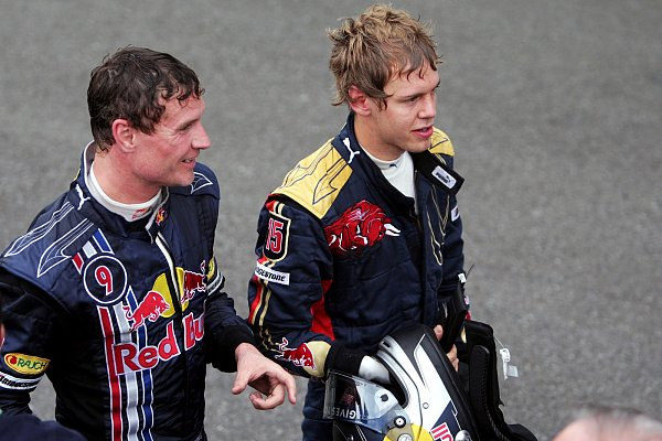 Coulthard pide a Alonso o Vettel para sustituirle