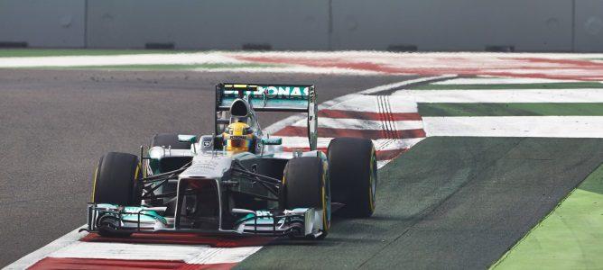 Lewis Hamilton rueda en Buddh