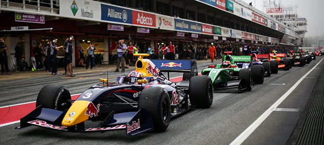 "Red Bull aclara que sigue ""trabajando en un programa"" para Da Costa en 2014"
