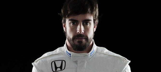 Ron Dennis descarta la salida de Fernando Alonso de McLaren en 2016