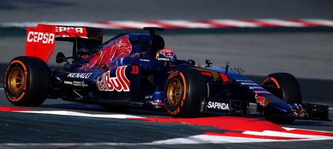 Max Verstappen se lleva el mejor tiempo en la tercera mañana de test de la primera ronda en Barcelona