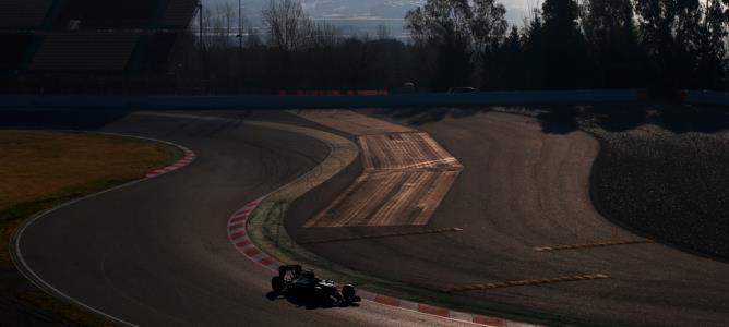 Pastor Maldonado vuelve a ser el más rápido en el tercer día de la primera ronda de test en Barcelona
