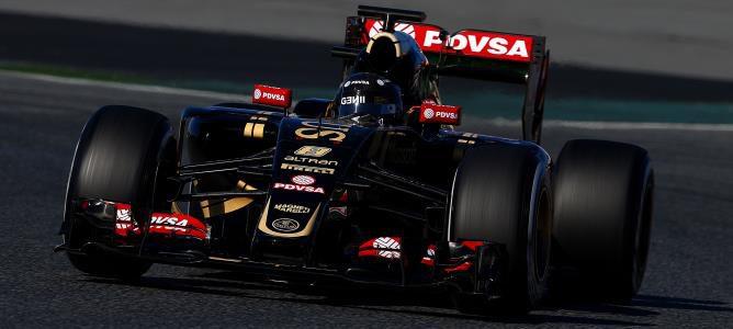 Romain Grosjean acaba líder el último y complicado día de la primera ronda de test en Barcelona