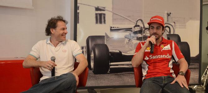 "Jacques Villeneuve cree que Alonso tuvo ""complejo de Dios"" en Ferrari"