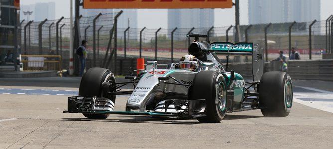 Hamilton vuelve a marcar el mejor tiempo en los Libres 2 del Gran Premio de China 2015