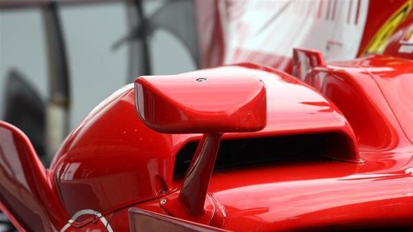 Vettel primero a los mandos del Red Bull