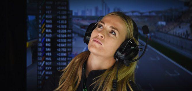 Carmen Jordá espera mantener su rol en el equipo Lotus en 2016