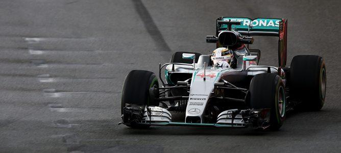 Mercedes y Lewis Hamilton siguen líderes en la primera simulación de clasificación de la temporada