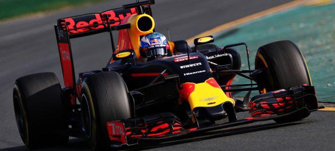 """Christian Horner: """"Ferrari no está muy lejos y podremos ponerle las cosas muy difíciles"""""""