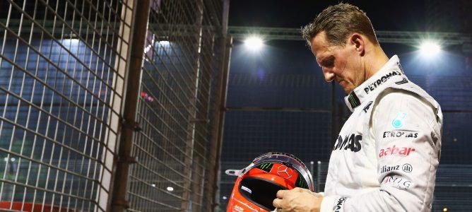 Michael Schumacher todavía no puede caminar ni con la ayuda de sus terapeutas