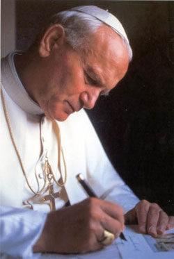 Investigan si el Papa Juan Pablo II salvó a Robert Kubica