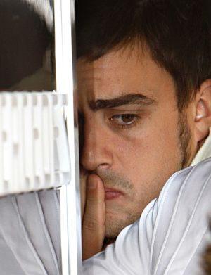 """Massa consigue la """"pole"""" y Alonso rompe la caja de cambios"""