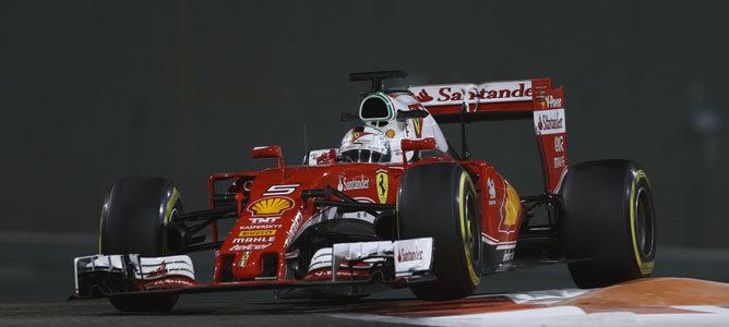 "Sebastian Vettel cierra la puerta a Mercedes: ""Tanto Kimi como yo tenemos un contrato"""