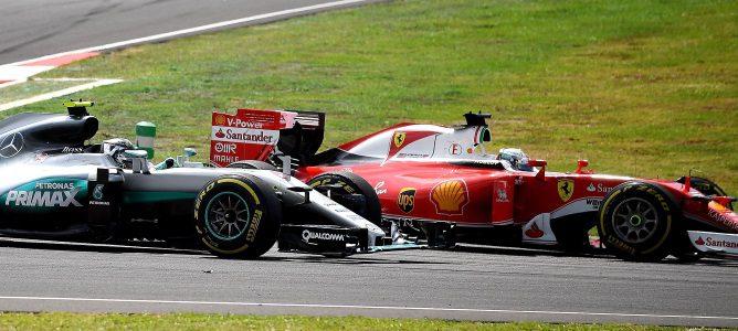 Una carta de Ferrari a la FIA pone en jaque el sistema de suspensión de Mercedes