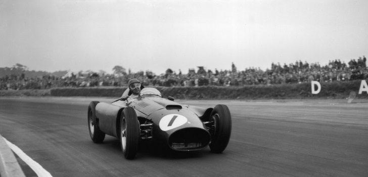 Juan Manuel Fangio con el dorsal 1 en el GP gran Bretaña 1950