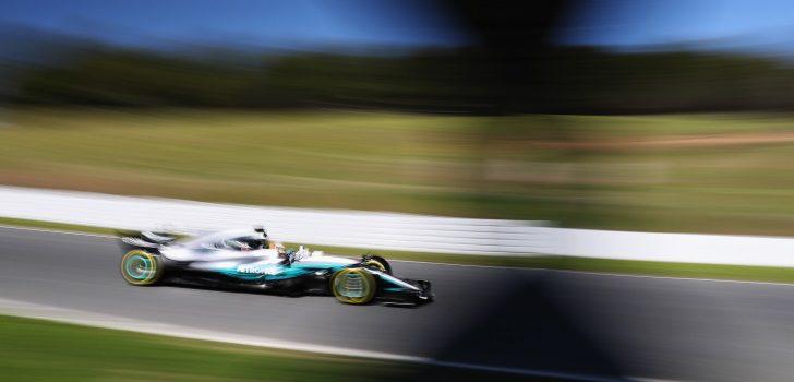Lewis Hamilton durante los test de pretemporada 2017 en el Circuit de Barcelona-Catalunya