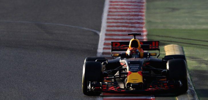 Max Verstappen durante los test de pretemporada 2017