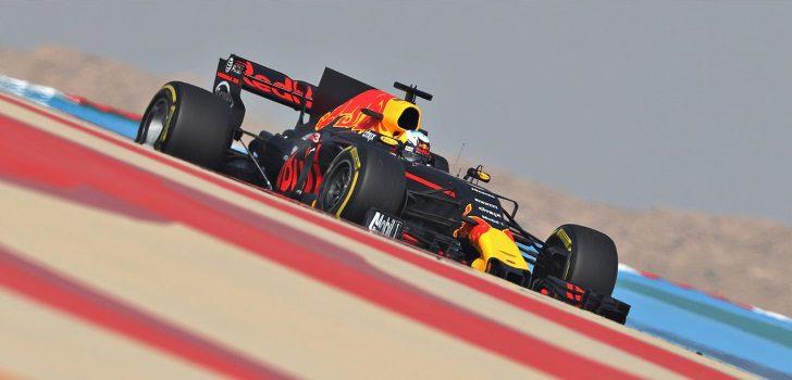 Ricciardo rueda en el desierto barení