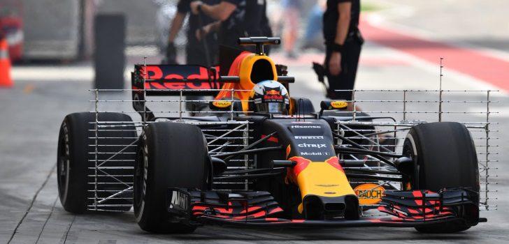 Ricciardo test Baréin 2017