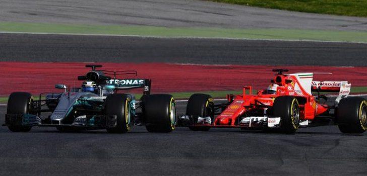 Sebastian Vettel detrás de Valtteri Bottas en el GP España 2017