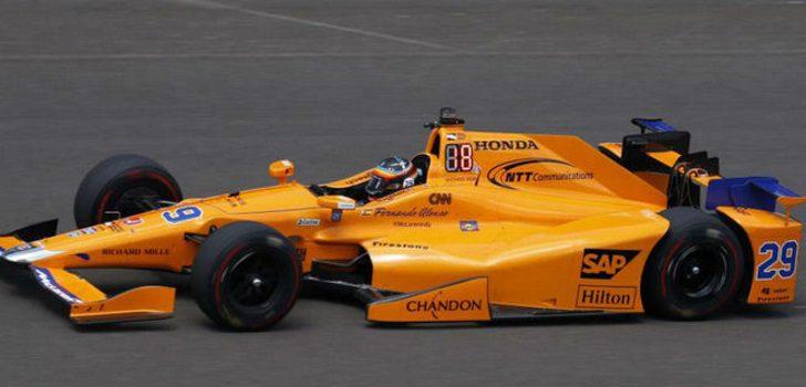 Fernando Alonso en el tercer día de Entrenamientos para las 500 Millas de Indianápolis
