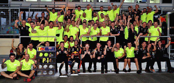 Red Bull celebrando la victoria de Ricciardo