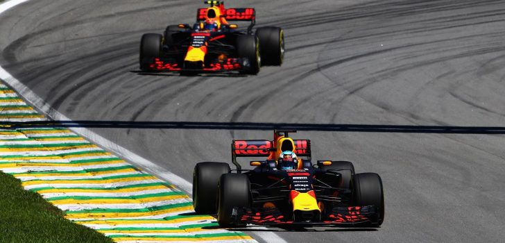 Ricciardo y Verstappen