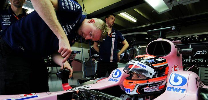 Force India, con sólo 405 empleados, logró amortizar al máximo su personal traducido a puntos en el campeonato. (Fotos: XPB Images/F1Fanatic.co.uk
