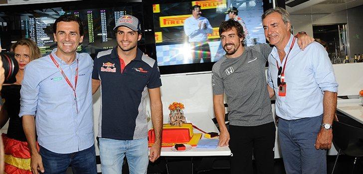 De la Rosa junto a los Sainz y Alonso
