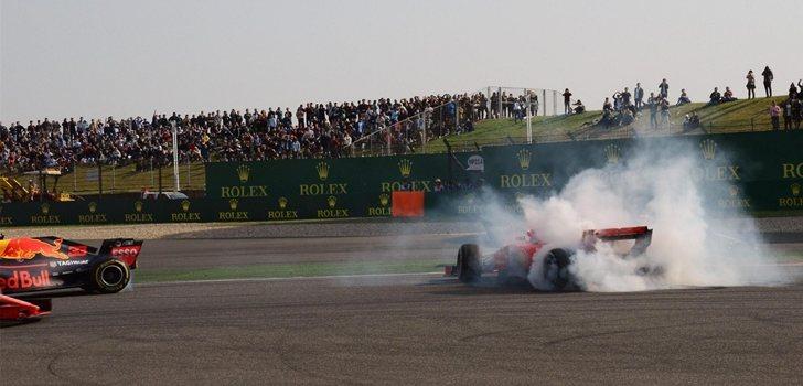 Vettel trompea tras el choque con Verstappen