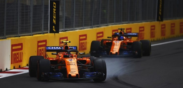 Vandoorne y Alonso ruedan en Bakú 2018