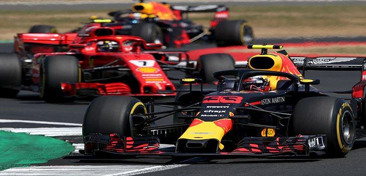 Max Verstappen lidera a Räikkönen durante el GP