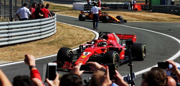 Vettel celebra su triunfo en Silverstone