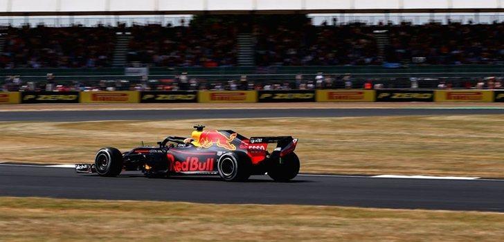 Ricciardo rueda en Gran Bretaña