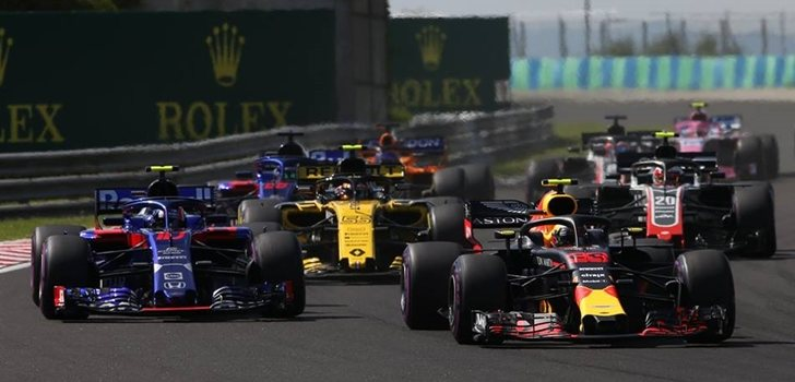 Gasly lucha con Verstappen en Hungría