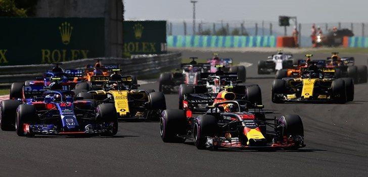 Los pilotos de F1 ruedan en Hungría