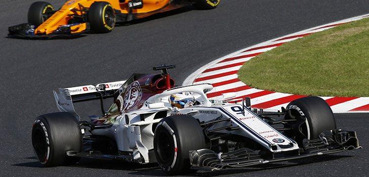 Ericsson rueda por delante de Vandoorne en Suzuka