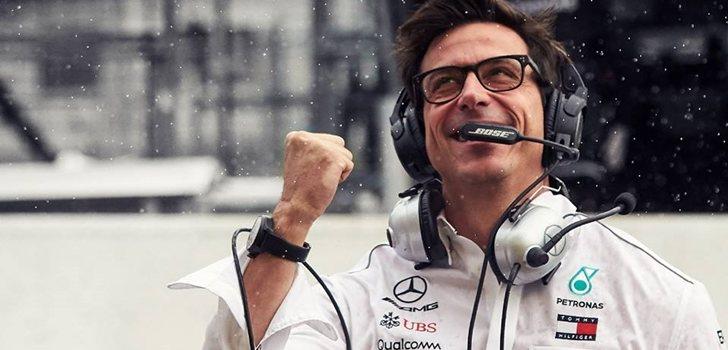Wolff celebra el doblete de Mercedes en Suzuka