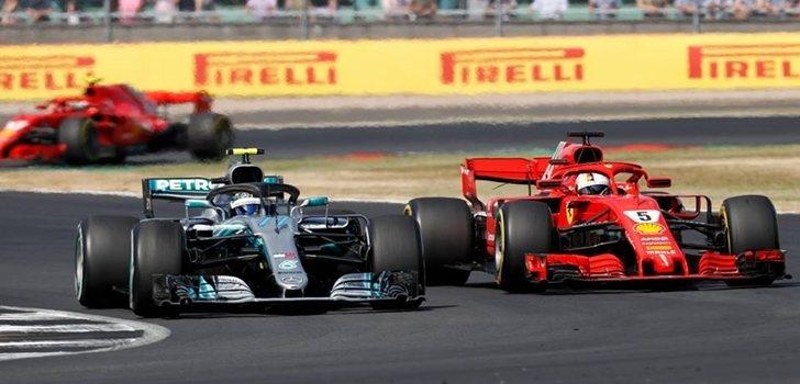 Vettel y Bottas pelean por posición