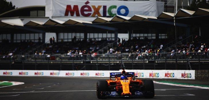 Fernando Alonso rueda en el Autódromo Hermanos Rodríguez