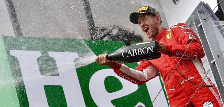 Vettel celebra su triunfo en el Circuito Gilles Villeneuve